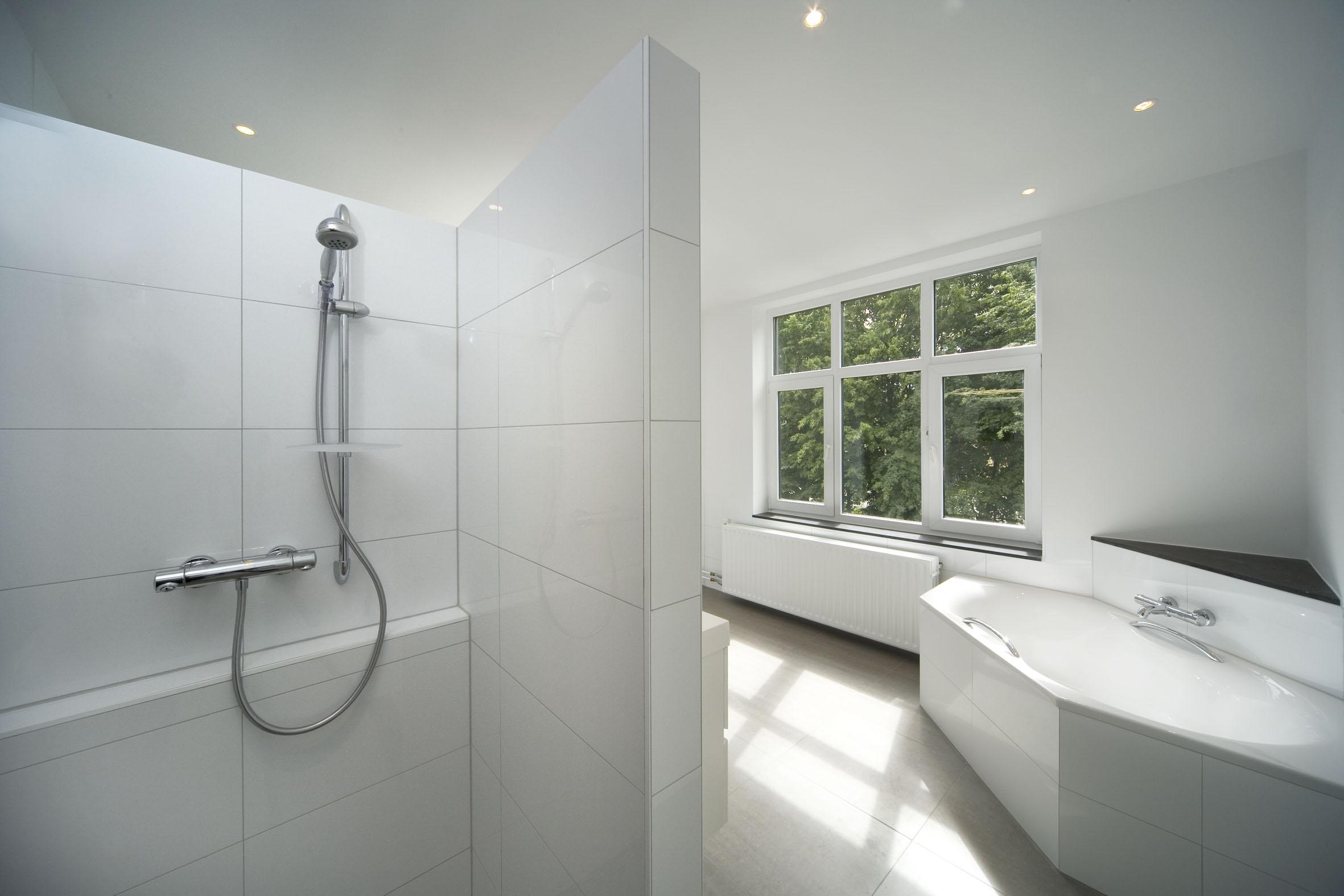 Projectportfolio badkamer ma0707 - Moderne badkamer met italiaanse douche ...